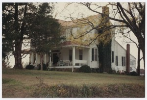 Photograph of the William Allen House, Beverly Plantation, Elbert County, Georgia. Elbert County Library Collection, Elbert County Library.